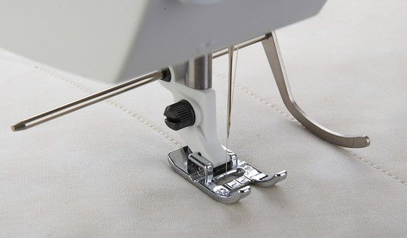 Edge Quilting Guide - HUSQVARNA VIKING® : sewing machine accessories for quilting - Adamdwight.com